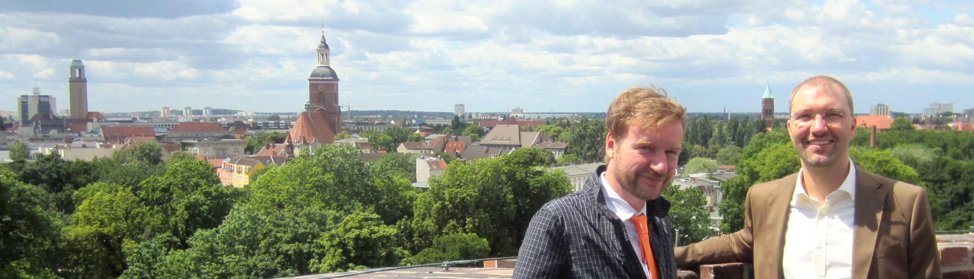 Kultur-Staatssekretär Tim Renner und Daniel Buchholz SPD auf der Spandauer Zitadelle mit Blick über die Havelstadt