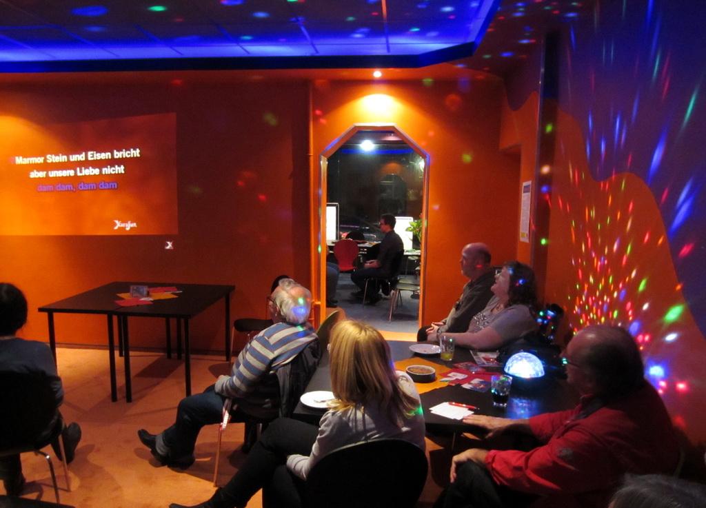 Weihnachts-Cafe u Karaoke 12-2015 no2